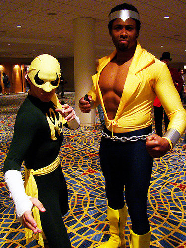 https://worldofblackheroes.files.wordpress.com/2011/07/cagecosplay-6.jpg